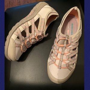 Tan Skechers Tennis Shoe